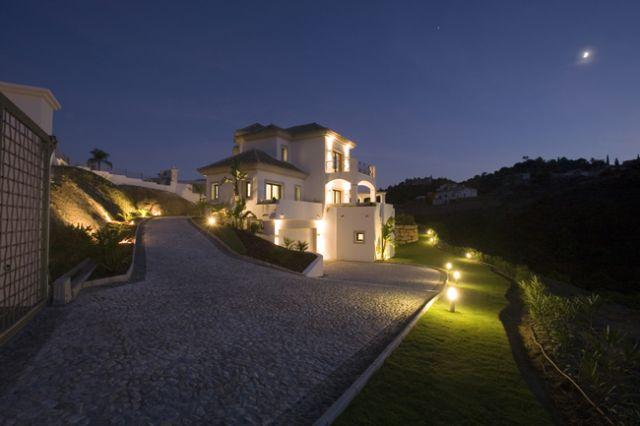 Night Villa Br