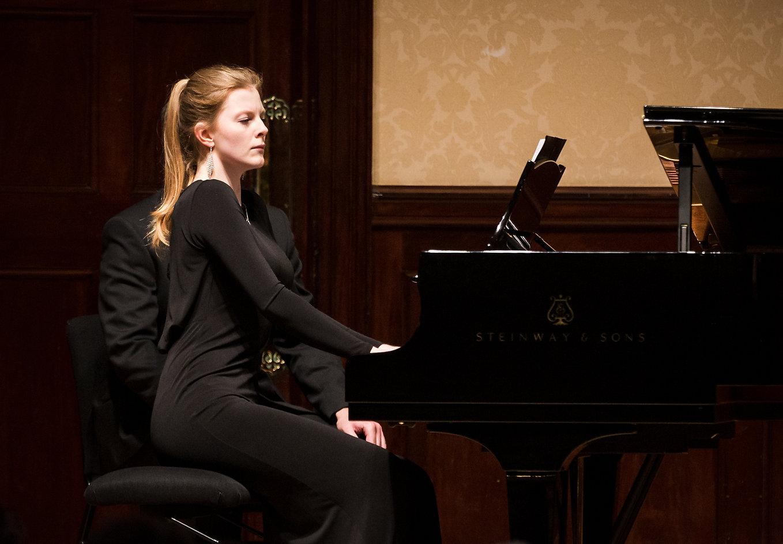 Ella O'Neill - collaborative pianist