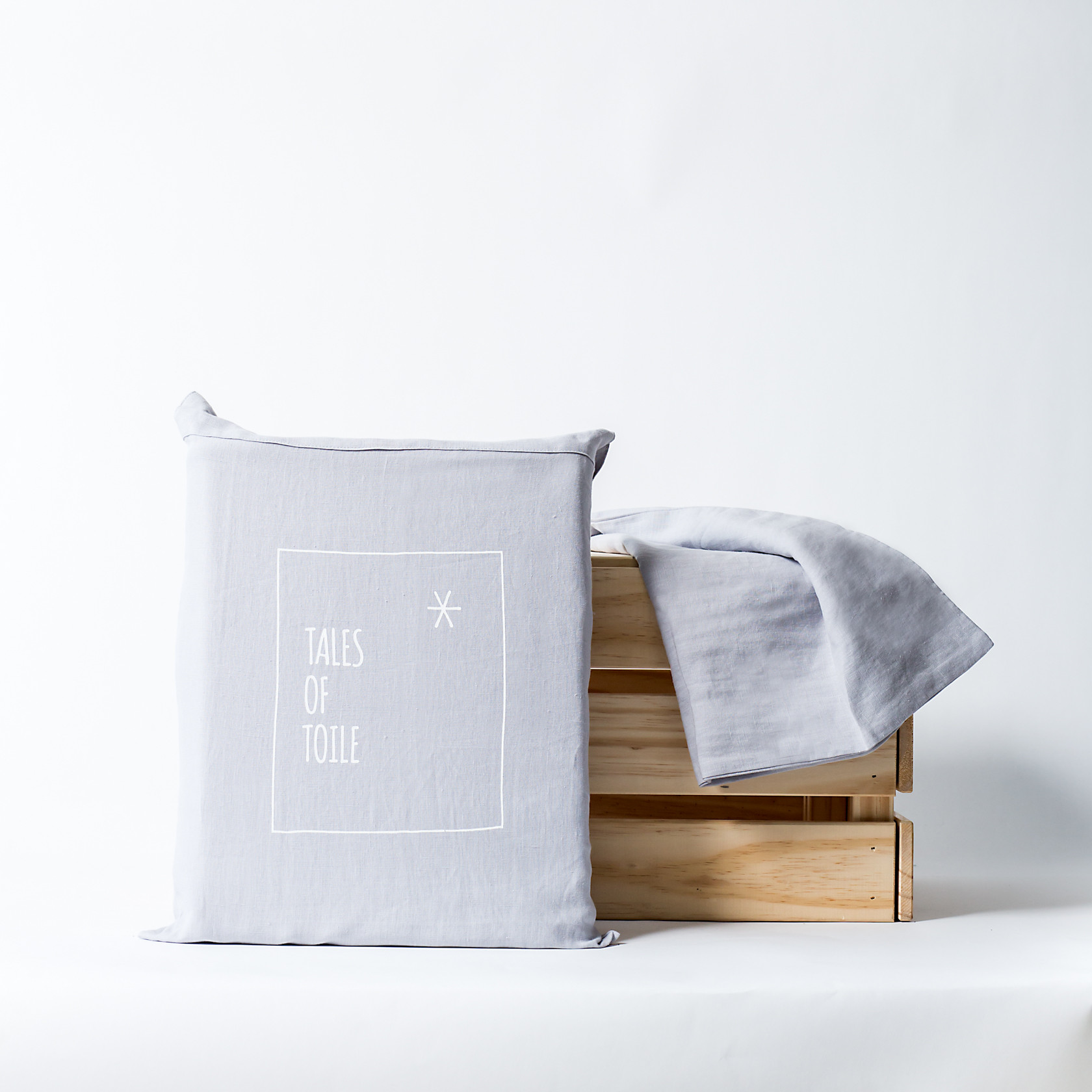 Tales of Toile *: 100% Pure Linen Bedding