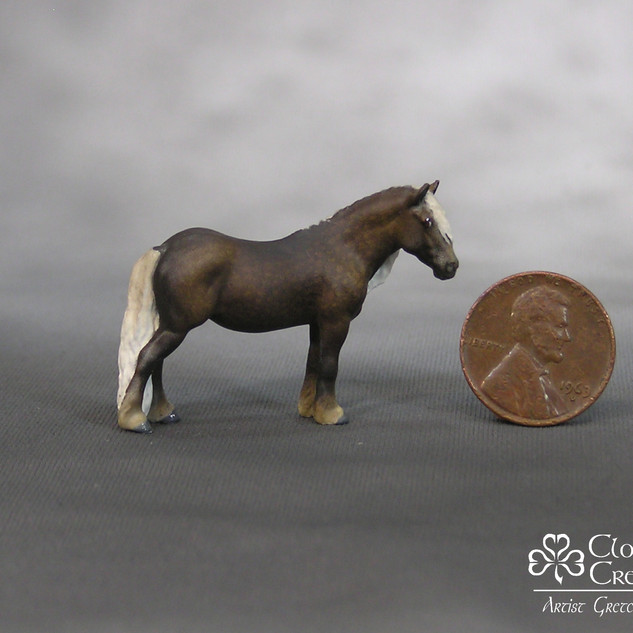 MM pony sculpted by Kelly Sealey