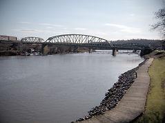 The_Bridgewater_Bridge_crosses_the_Beave