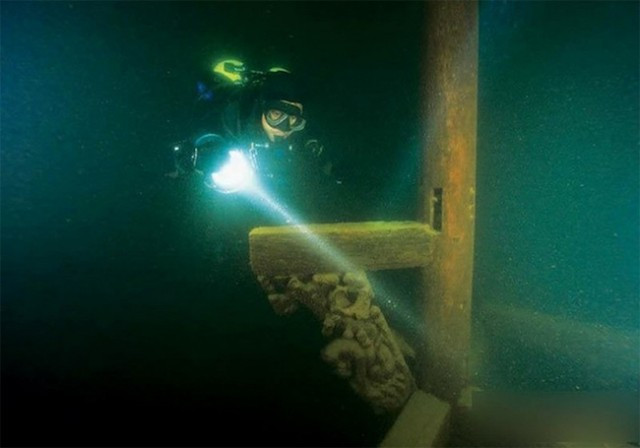Lost-City-found-Underwater-in-China-6-640x448.jpg