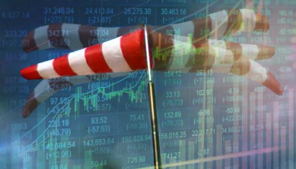 Mercado busca direção