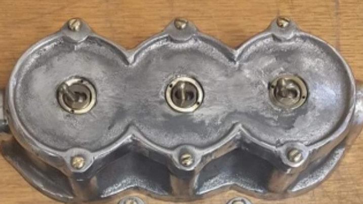 Cast Aluminium 3 Gang Round Light Switch