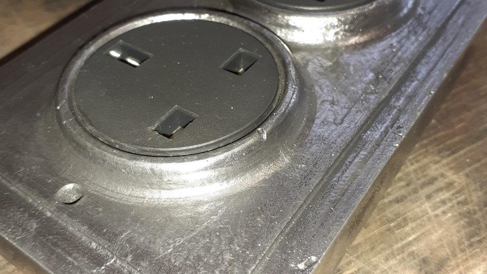 2 Gang Cast Aluminium Faceplate Socket