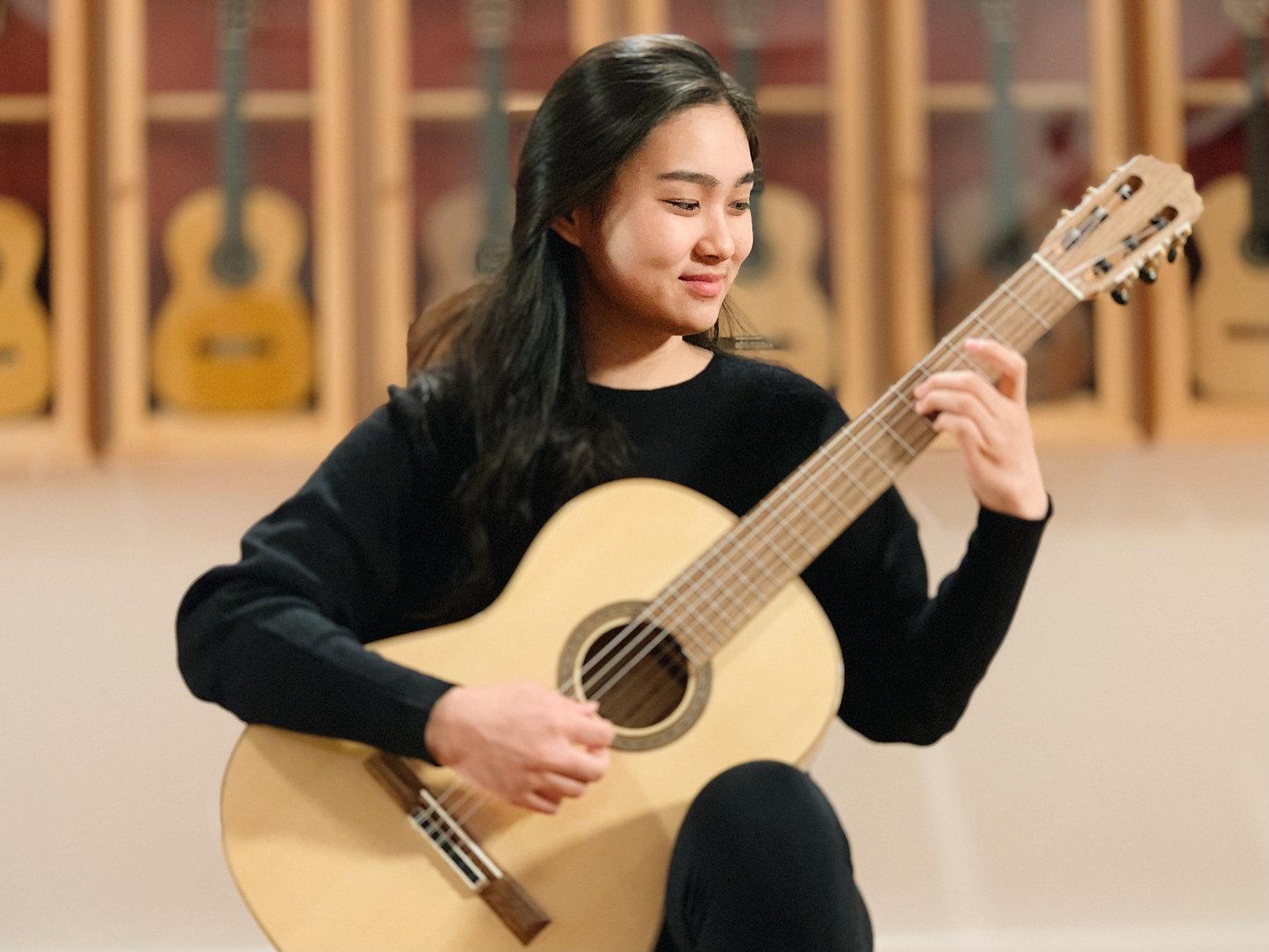 Olivia Chiang guitar