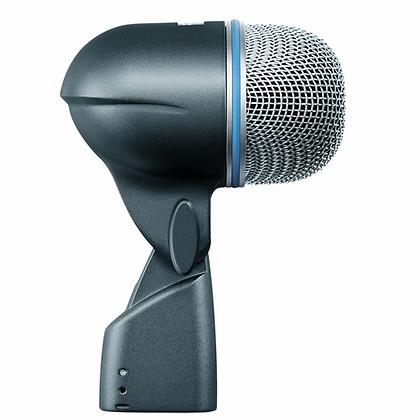 Microfone c/Fio Condensador p/ Bumbo Beta52A