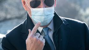 Casi 100.000 en estadounidenses murieron por coronavirus en el primer mes de Biden en el cargo.