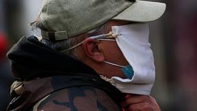 Guía de los CDC sobre el coronavirus recomienda 'capas de material', incluidas máscaras dobles.