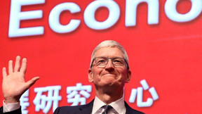 El director ejecutivo de Apple, Tim Cook, elogia el negocio 'fenomenal' en China.