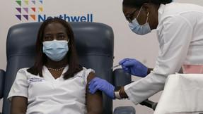 Reacciones alérgicas a vacuna de Pfizer son superiores a las esperadas.