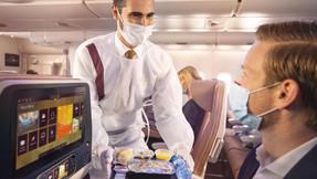 Etihad Airways de Abu Dhabi vacuna a toda la tripulación de vuelo.