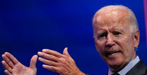 Biden compara a Trump con Fidel Castro durante el giro de campaña de Florida.