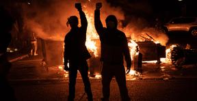 Memorando del Dep de Justicia: Cargo de sedición podría aplicarse a la violencia antidisturbios.