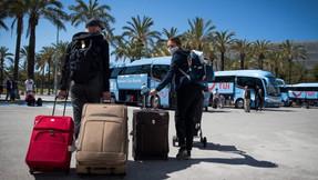 Reino Unido trabaja en un 'pasaporte de vacuna' para que británicos vayan de vacaciones al exterior.