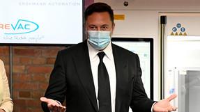 """Musk se hace cuatro pruebas de covid-19,""""Algo extremadamente falso está sucediendo""""."""