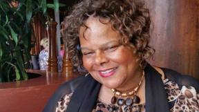 Ex presentadora de noticias de Detroit muere un día después de recibir la vacuna COVID-19.