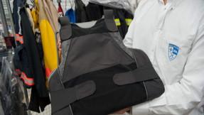 Demócrata de Nueva York busca prohibir a los ciudadanos poseer chalecos antibalas