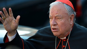 Facebook censura al cardenal mexicano por denunciar el 'Nuevo Orden Mundial'.