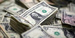 """economista Schiff pone fecha al colapso del dólar que """"derrumbará la economía de castillo de naipes"""""""