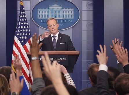 Revelado: todos los vínculos familiares entre la élite y la prensa del establishment.