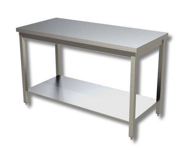Tavolo con ripiano