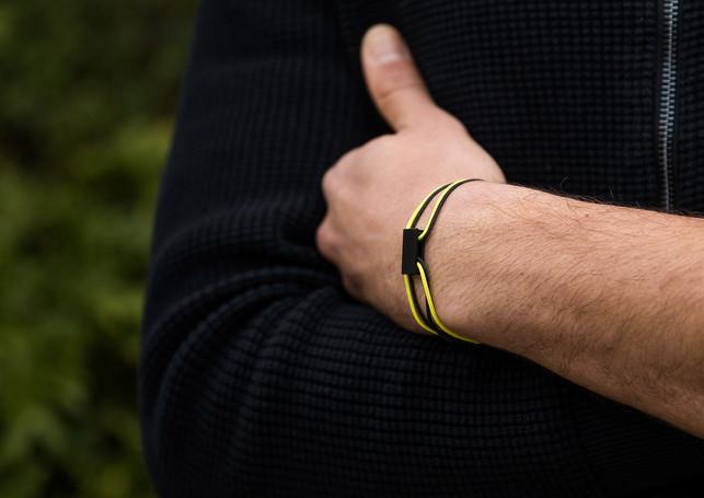 Pack Beresheet - Brushed black + neon yellow & black cords (thick)