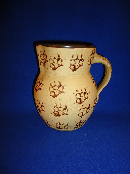 Kentucky Stoneware 1/2 Gallon Pitcher in the Cat's Paw Pattern