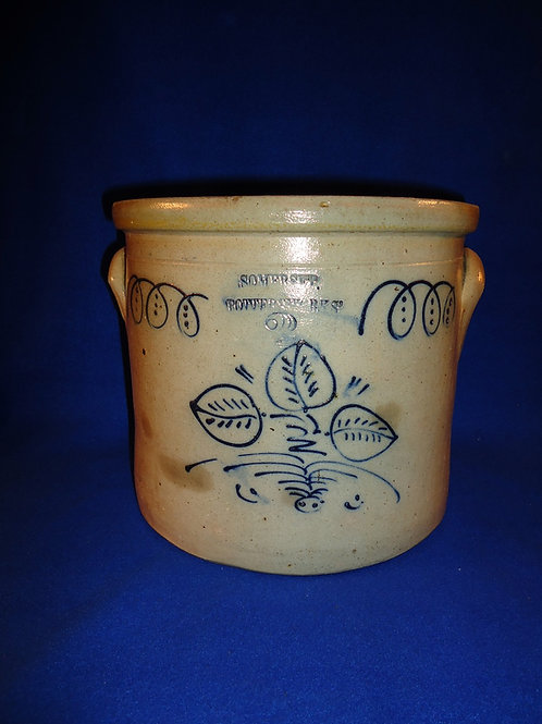 Somerset Potters Works, Somerset, Massachusetts Stoneware 2g Crock with Leaves
