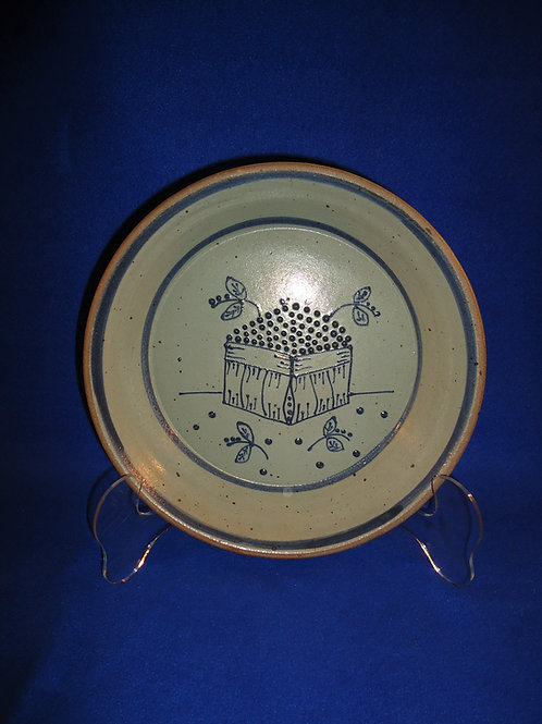 Beaumont Brothers Pottery Pie Plate, Blueberry Basket, #4719