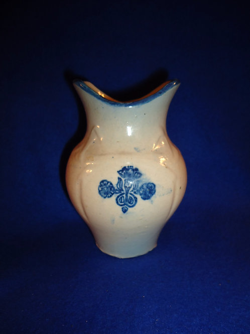 Blue and White Stoneware Toothbrush Holder, Bowknot Pattern