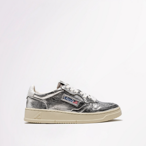 AUTRY Action Shoes - Autry 01 Low Wom Leather Lamin Silver