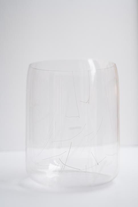 váza Mind čiarkovaná
