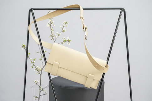 Cross Body M Ivory