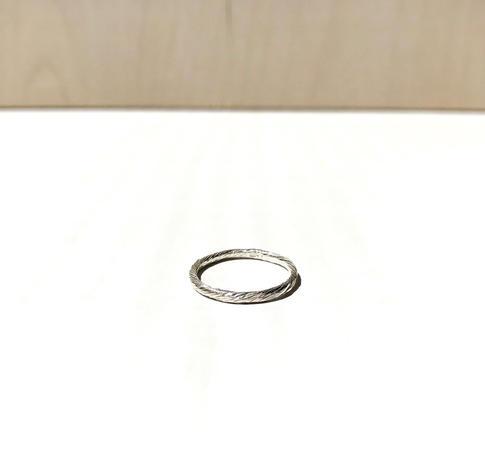prsteň Twisted 03
