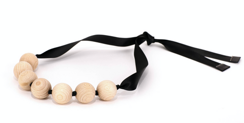 náhrdelník Satin White Nuts