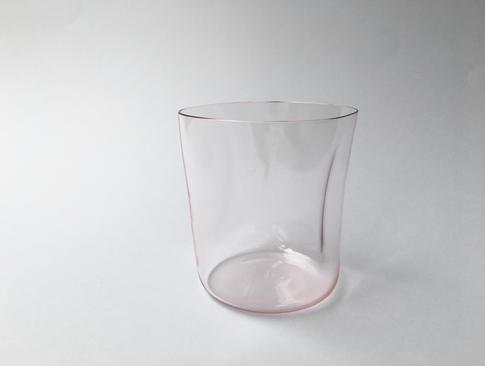 pohár Stískač ružový