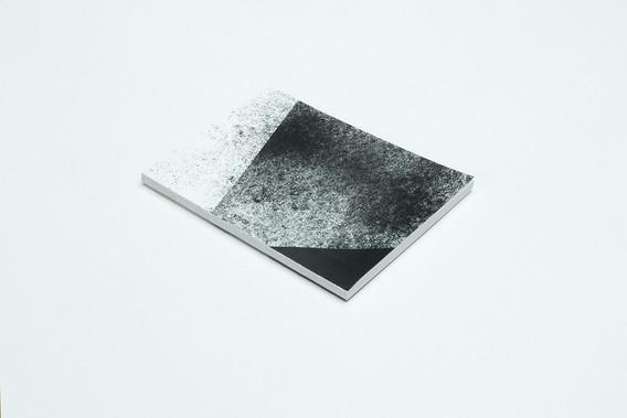 zápisník Diagonal bielo-šedý