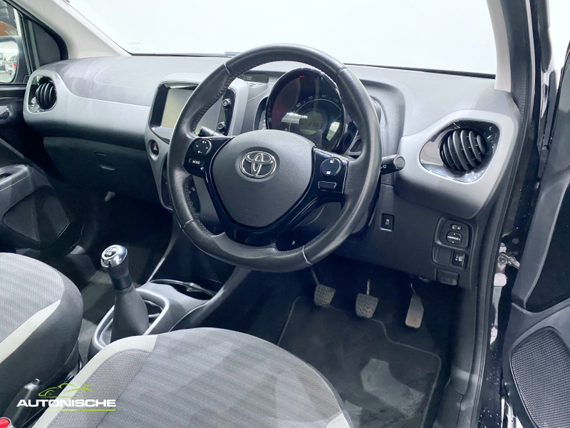 2019 Toyota Aygo 1.0 X-Play Manual