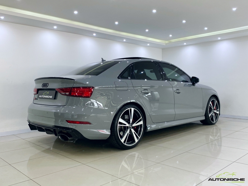 2017 Audi RS3 Sedan 2.5TFSi Quattro S-Tronic