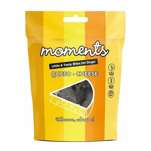 Przekąski dla psa MOMENTS SERY – kurczak, ser, miód 60g