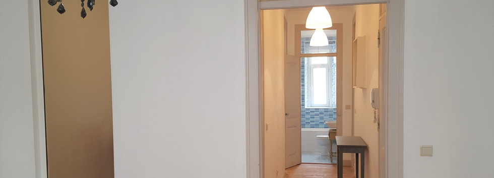 Couloir vue SDB.jpg