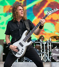 Megadeth_performing_in_San_Antonio,_Texa