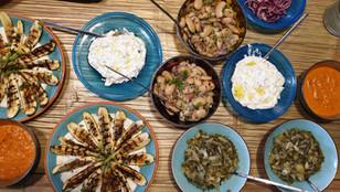 ארוחה_יוונית.jpg