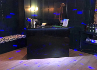 4 Ways Hiring a Mobile Cocktail Bar can help you Market your Business