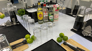 Corporate-Cocktail-Making-Class.jpg
