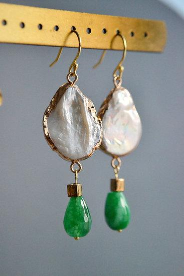 Julia Vlasova - Pearl earrings