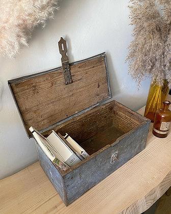 Ancienne boîte de métier