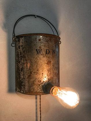 Lampe murale sur pot en métal