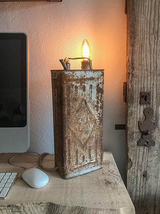 Lampe à poser ancien bidon gasoil